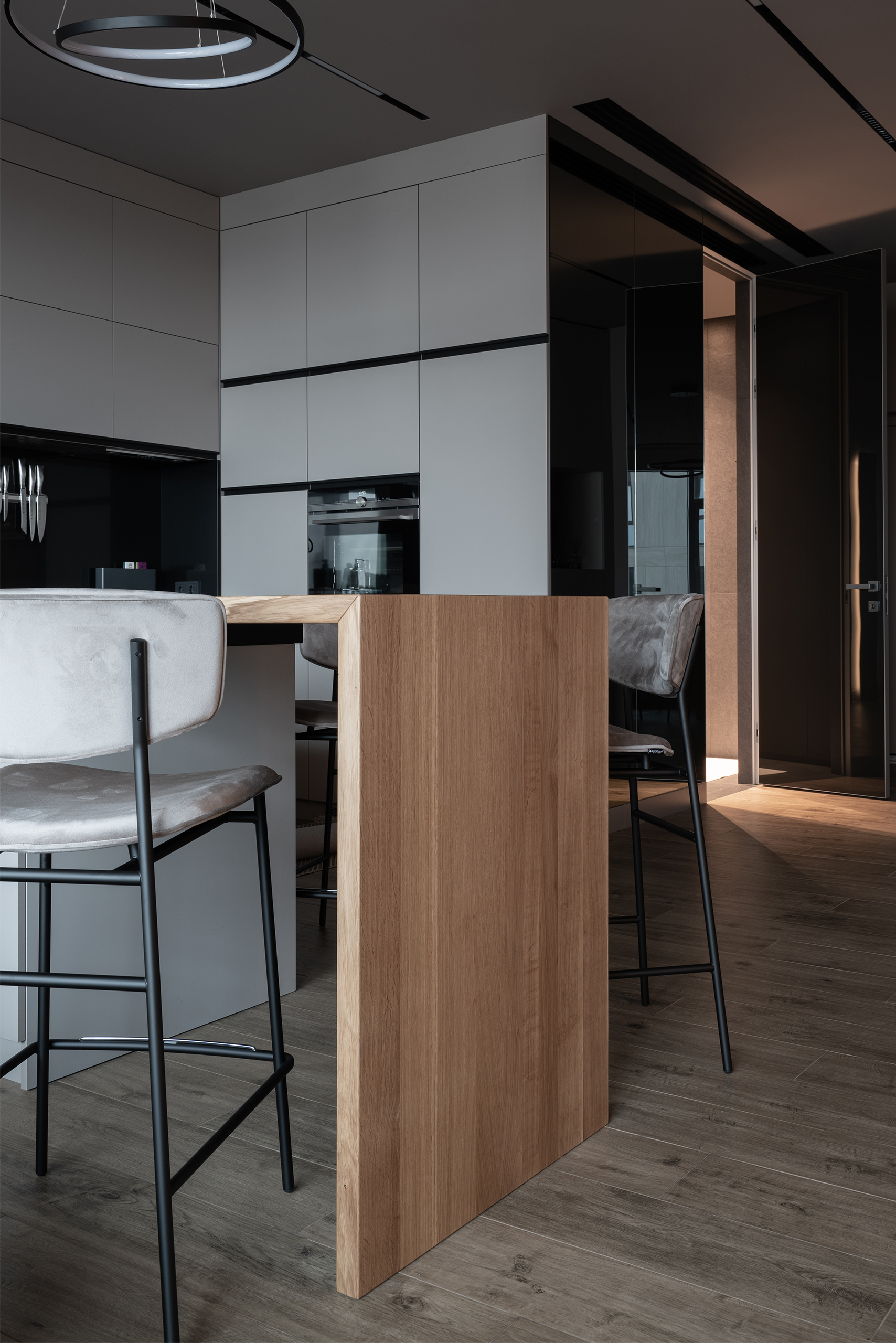 Пример интерьерной фотографии кухни